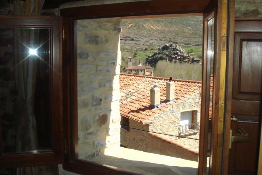 vista-ventana-los-arcos-de-yanguas